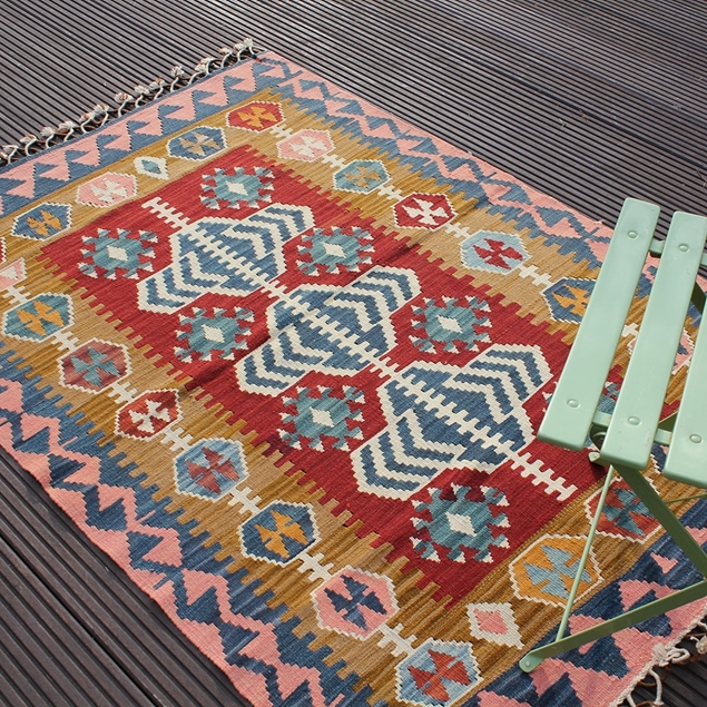 "Picture of 3'7"" x 5'2"" 