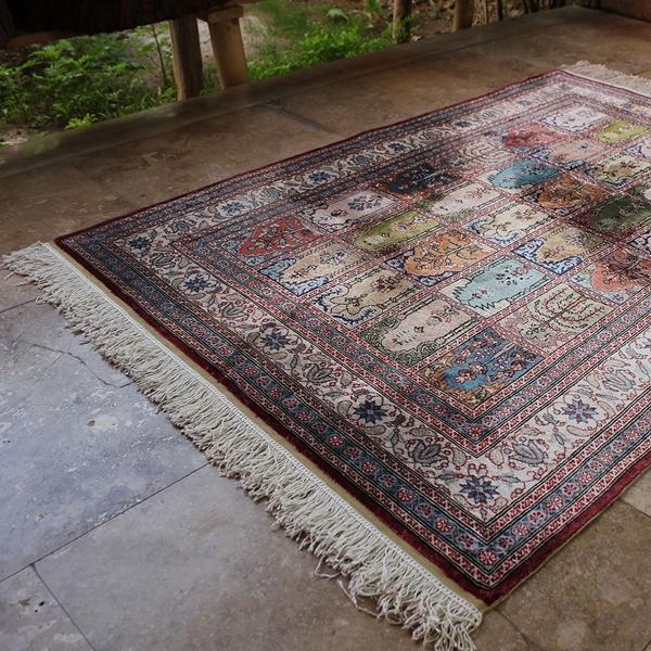 "Picture of 3'1"" x 4'4""   Turkish Silk Carpet"