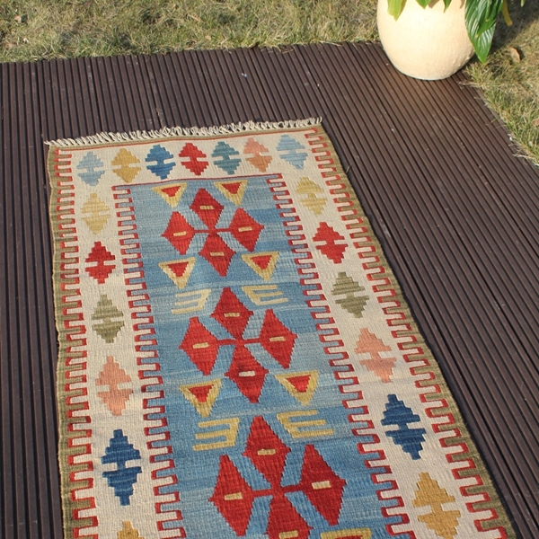 "Picture of 2'3"" x 5'11"" 