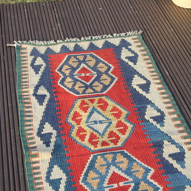 "Picture of 2'5"" x 5'6"" 