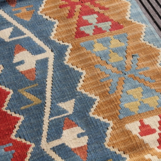"Picture of 5'0"" x 7'10"" 