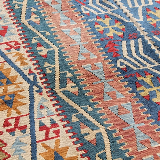 "Picture of 5'1"" x 7'4"" 