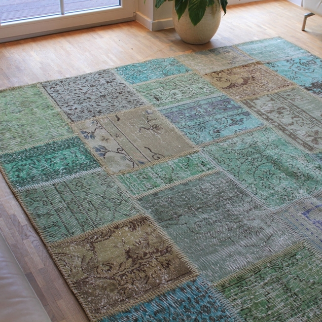 "Picture of 6'7"" x 9'10"" 