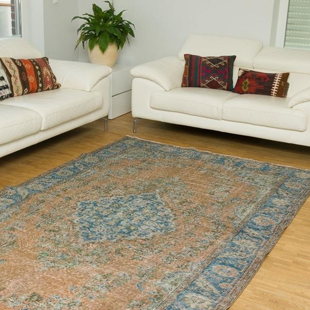 "Picture of 5'7"" x 9'7"" | Vintage Carpet"